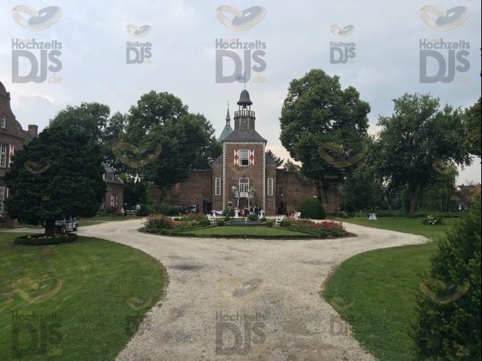 Hochzeitsgäste in Schloss Hertefeld Weeze