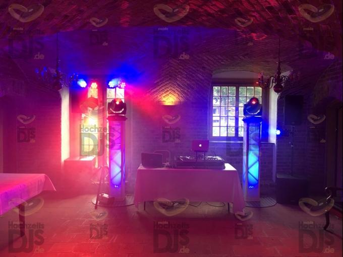DJ-Paket Superior B mit Movingheads in Schloss Hertefeld Weeze