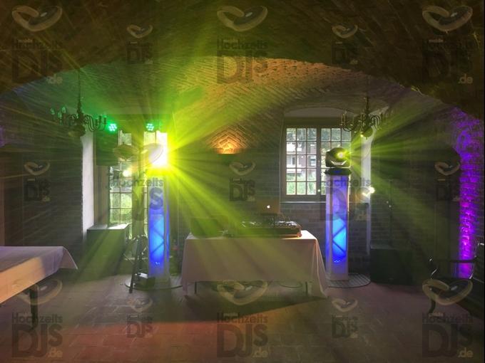 DJ-Paket Superior B mit Lichttechnik in Schloss Hertefeld Weeze